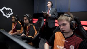 Turkish League of Legends team sanctioned for mistreating players